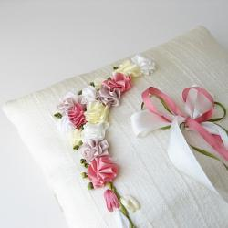 floral ring pillow